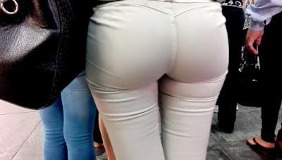 Hermosa chava nalgas paradas pantalon