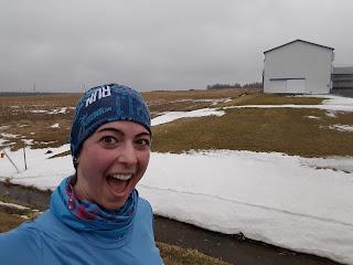 Demi-marathon des Glaces, coureuse enthousiaste, champ, l'hiver