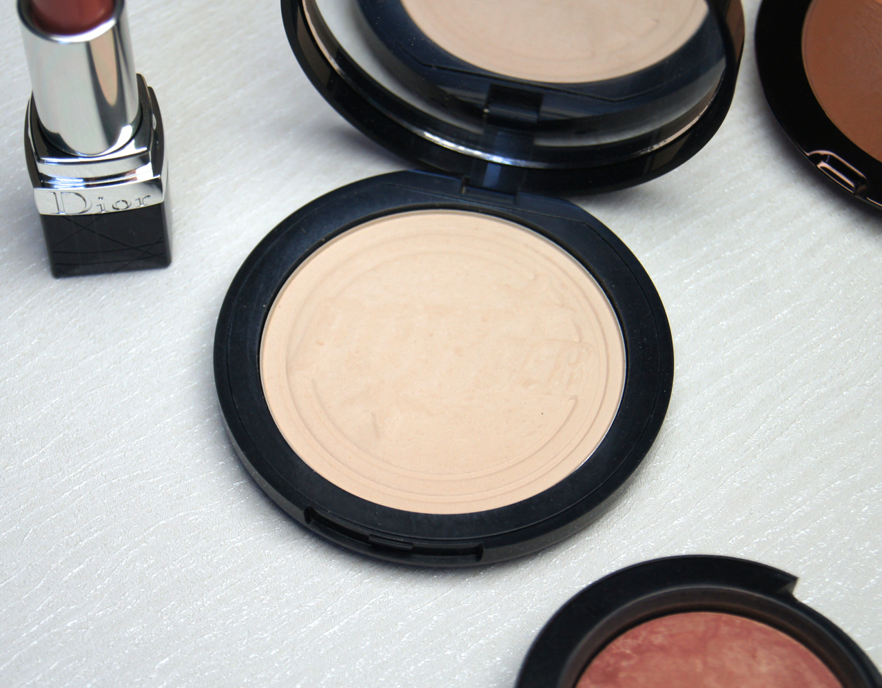 soap & glory one heck of a blot pressed powder review