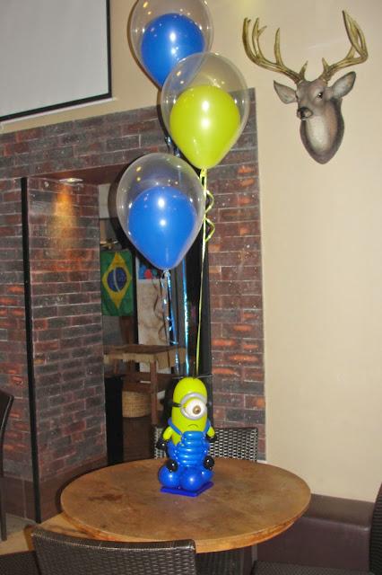 Centro de Mesa Minions balões