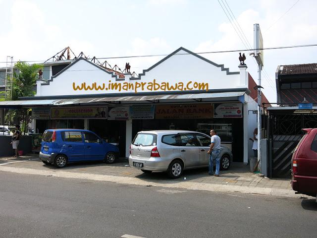 Soto Jalan Bank Purwokerto Dilihat Dari Jalan Raya