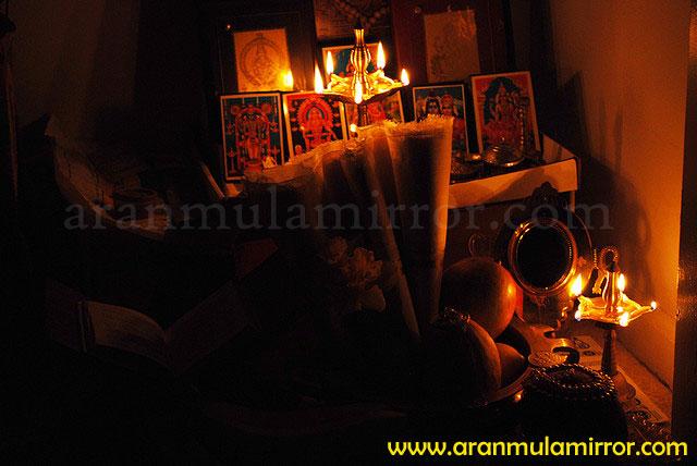 Aranmula kannadi placement at home