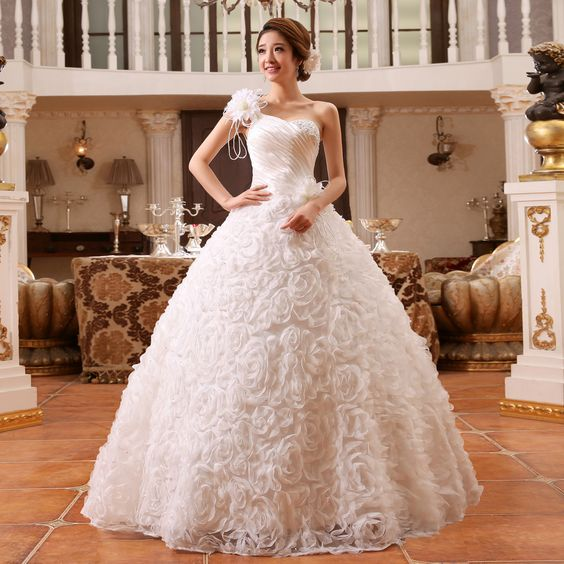 Wedding Gown Surabaya: Paket Foto Prewedding Sewa Gaun Dress Murah Bali Jakarta