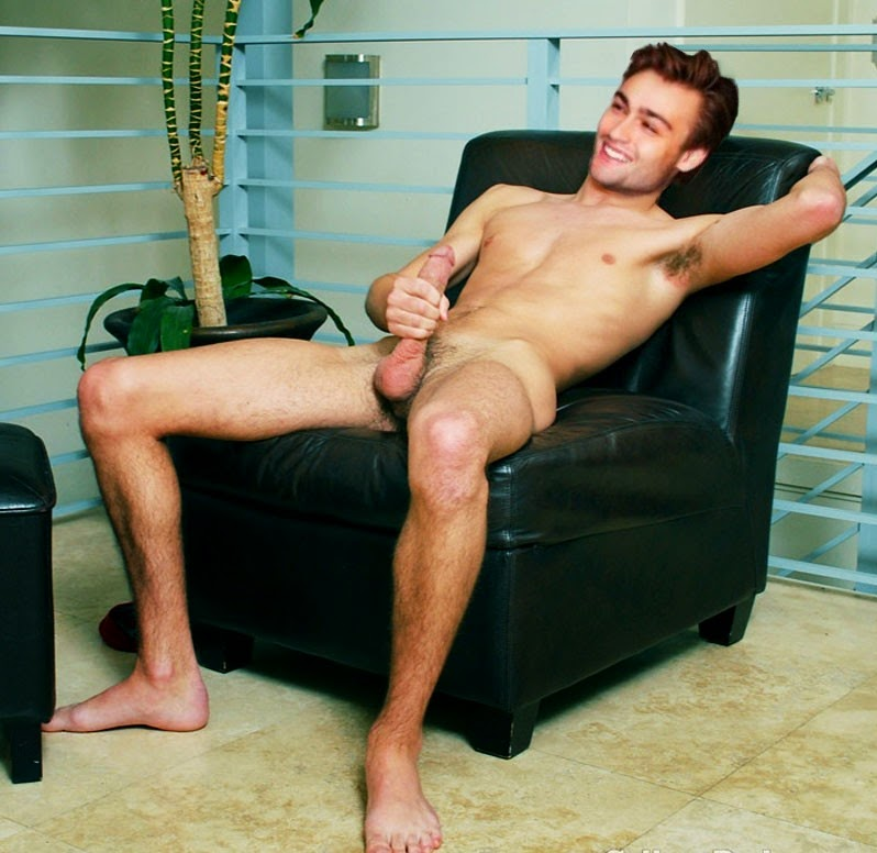 forum gay nude celeb