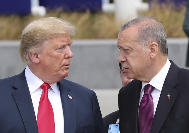 Οι ελιγμοί του Ερντογάν και τα μηνύματα στον Τραμπ