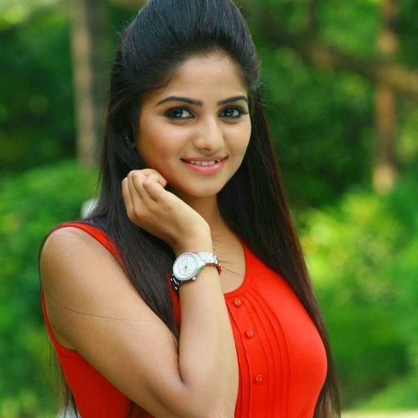Movie Image Gallery: Ranna Kannada Movie Actress Rachita