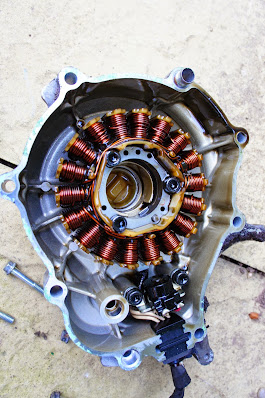 Yamaha YZF R125  How to remove the Flywheel stator generator alternator