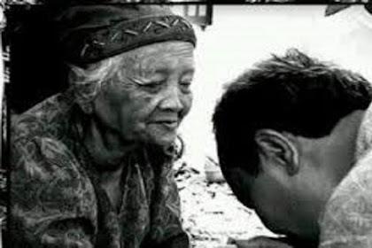 Contoh Akhlak yang Baik Kepada Orang Tua