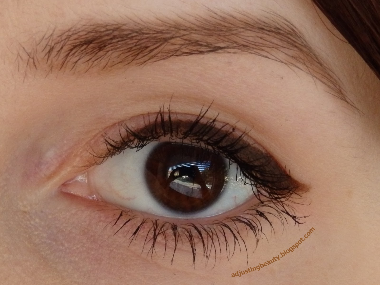 Colorful eyeliners - Adjusting Beauty