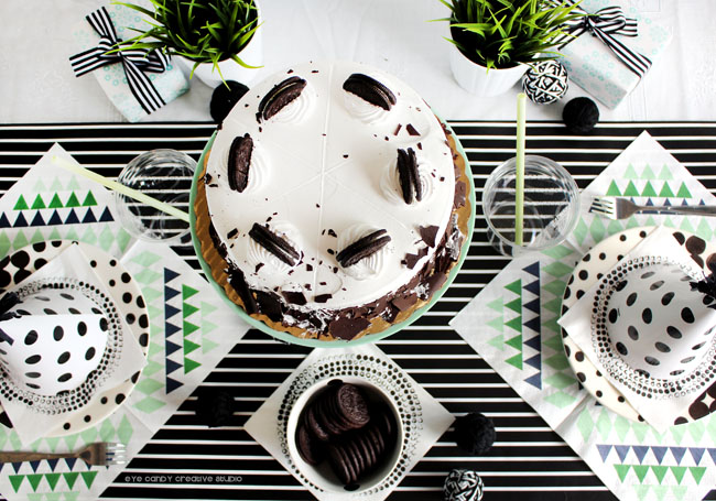 birthday party, cold stone, OREO, free cake topper, black & white decor