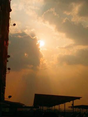 郑明析, 日落