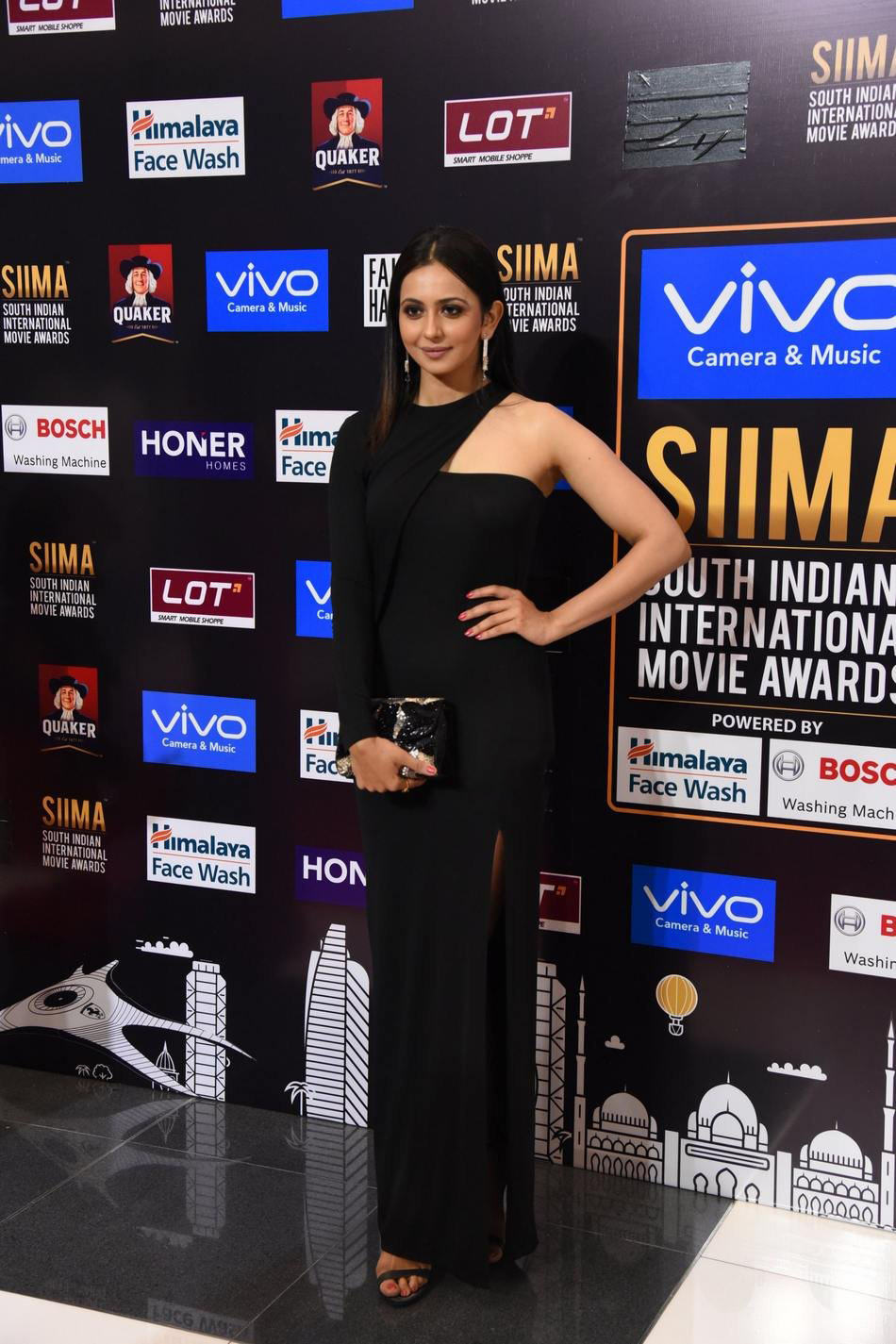 Rakul Preet Singh Spicy Photos at SIIMA Awards 2017
