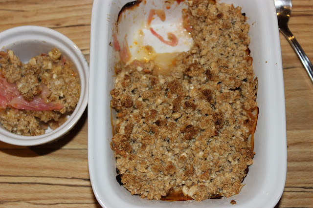 rhubarb and orange crumble with ginger cashew topping