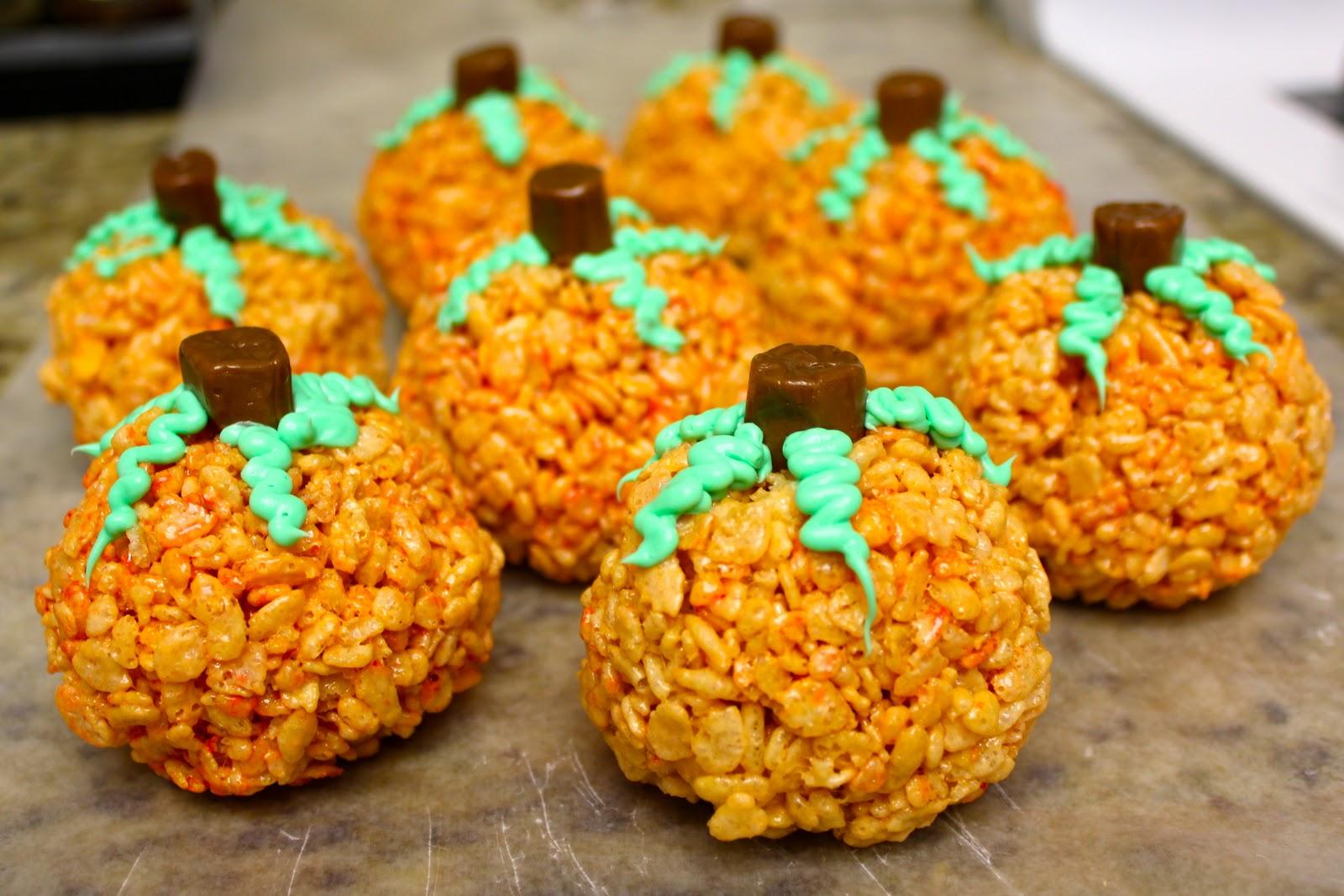 BLATANT BORROWER: Halloween Pumpkin Rice Krispies Treats