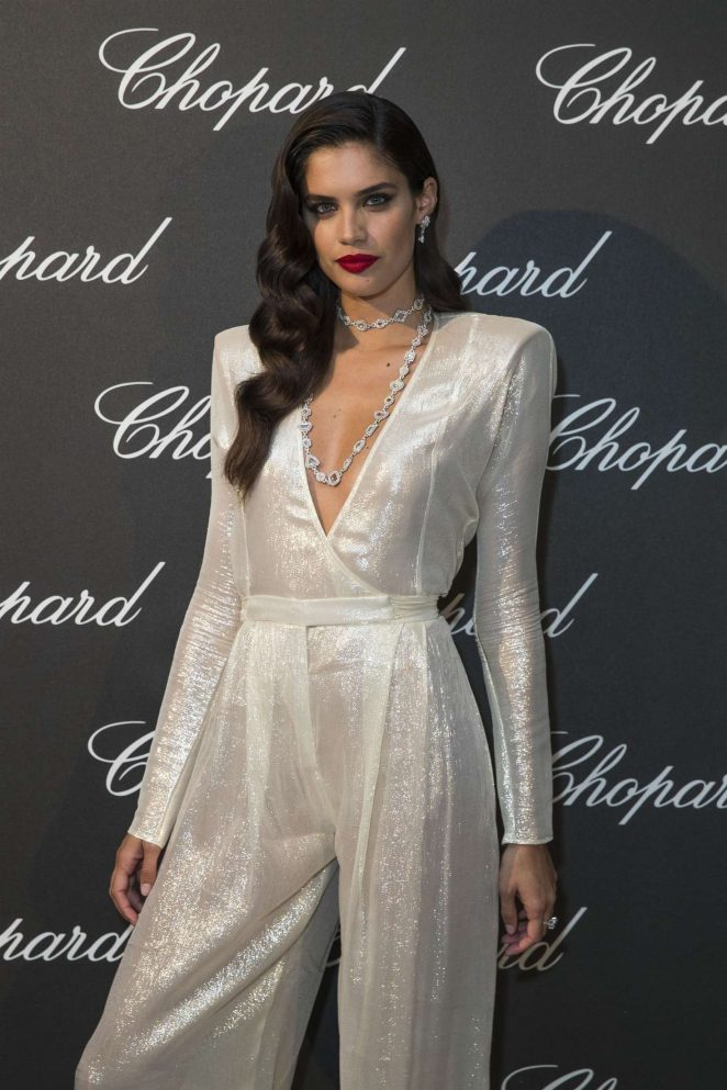 Sara Sampaio Looks Hot Shimmering Outfit