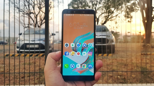 ASUS ZenFone 5Q Display Review