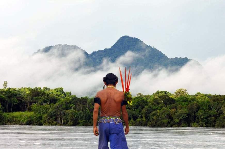 Portal Guaraní - MUJER DE LA TRIBU CHAMACOCO (AONCHI