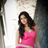 Suave Aavaana latest hot pics