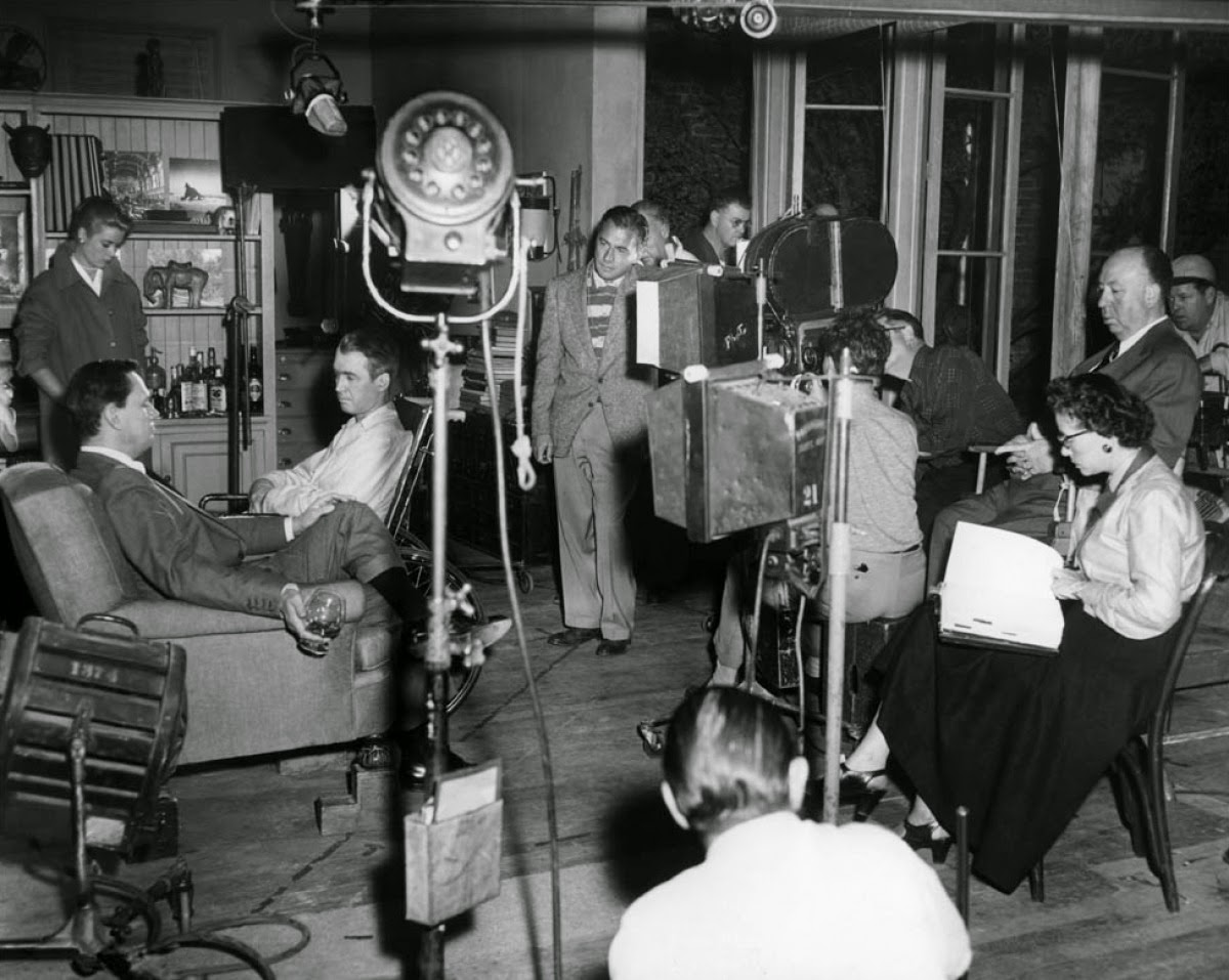 20 interesting behind the scenes photos from the making of for Grace kelly fenetre sur cour