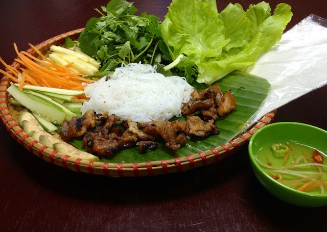 Enjoy the specialties of Central Vietnam right in Hanoi 4