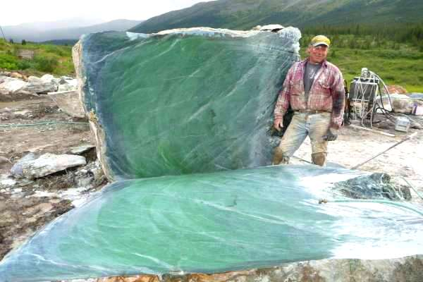 Tons of Giant Nephrite Jade Discovered in Canada