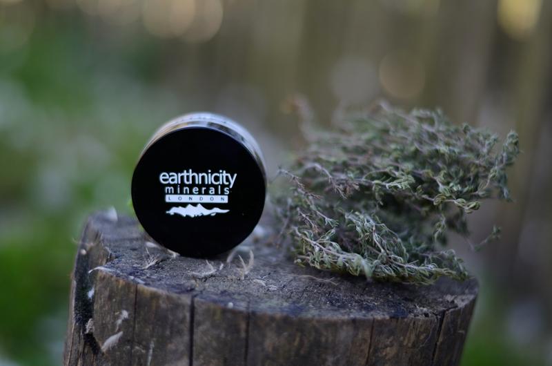 Earthnicity Minerals | Velvet HD Puder utrwalająco-matujący