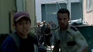 The Walking Dead (1x02) - Capitulo 02 - Temporada 1 - Español Latino