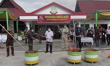 Pemusnahan sabu, ganja, ekstasi dan obat palsu di Tanjungbalai.