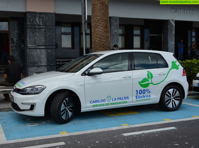 El Cabildo incorpora a su parque móvil su primer vehículo 100% eléctrico