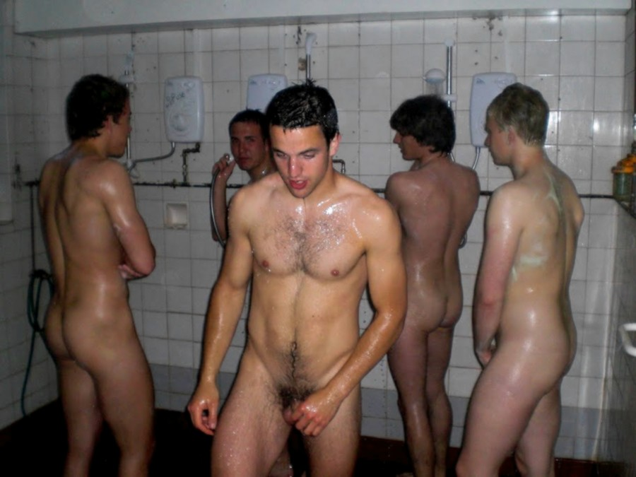 naked-gay-locker-room-boys