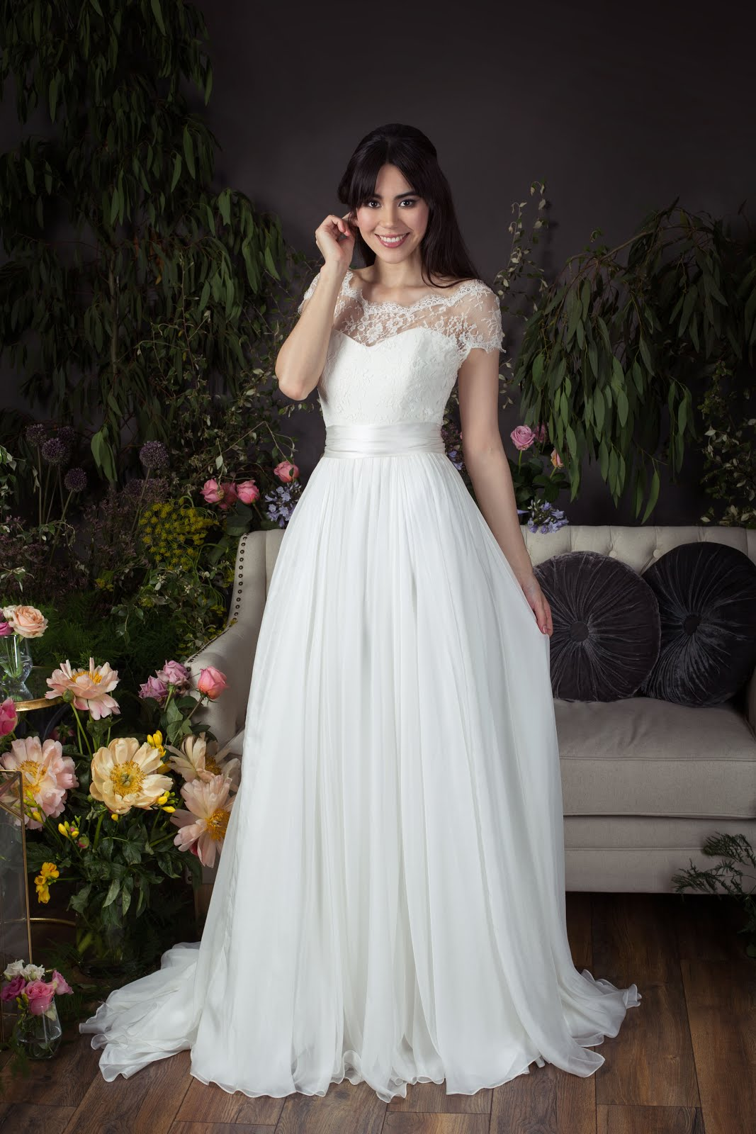 Choosing a wedding dress - top tips