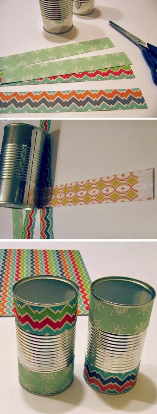 Decorando las latas con cartulinas de colores