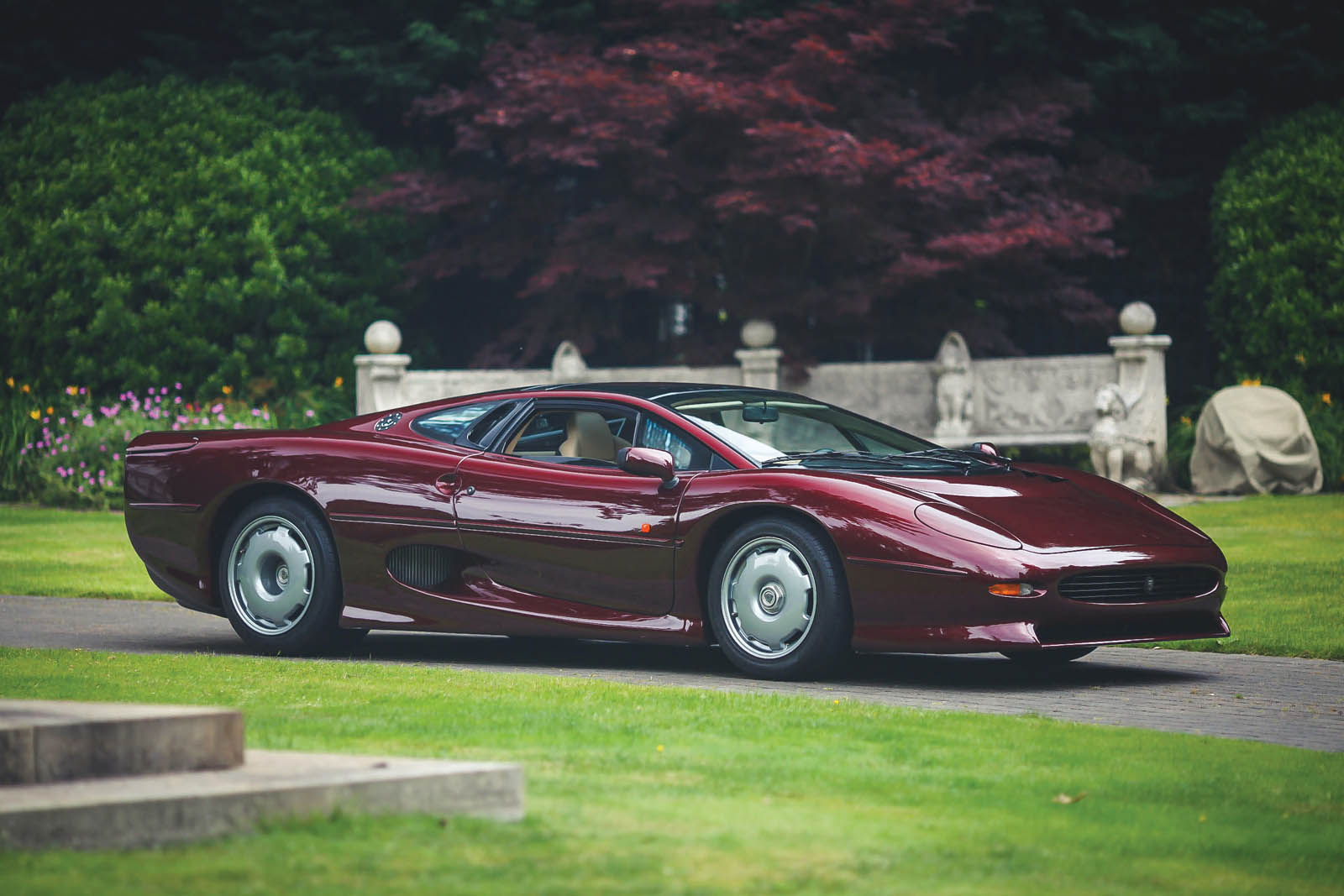 Who Ll Give This Splendid Jaguar Xj220 A New Home Carscoops