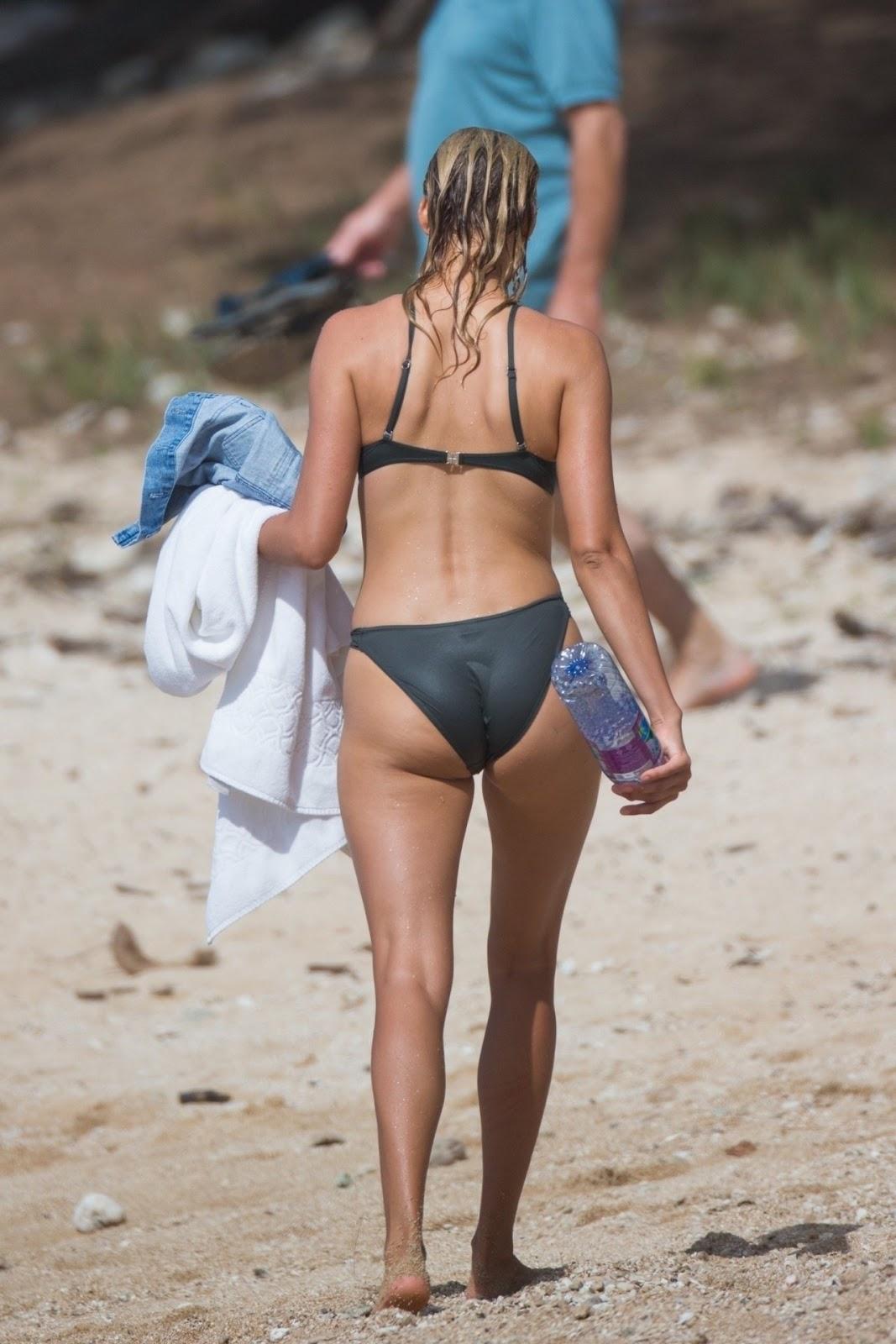 Beach Boobs! Kelly Rohrbach Goes TOPLESS In Hawaii (NSFW