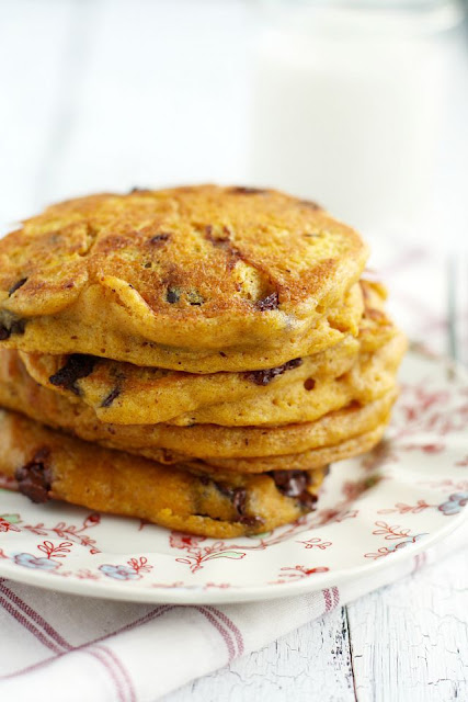 Pancakes veganos de calabaza y pepitas de chocolote. Vegan pumpkin chocolate chips pancakes
