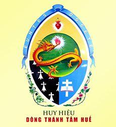 Huy hiệu kỳ lạ của Dòng Thánh Tâm Huế tôn vinh Satan?