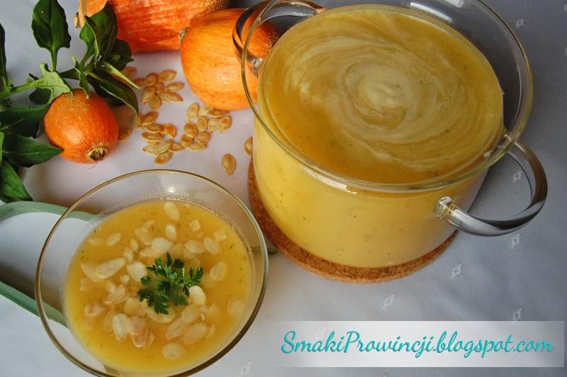 Zupa dyniowa z imbirem i prażonymi migdałami - przepis - Smaki Prowincji