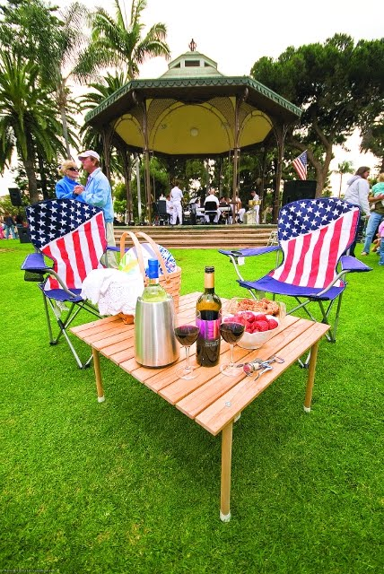 Pack a picnic and attend a free summer concert in Spreckels Park. Photo: SanDiego.org