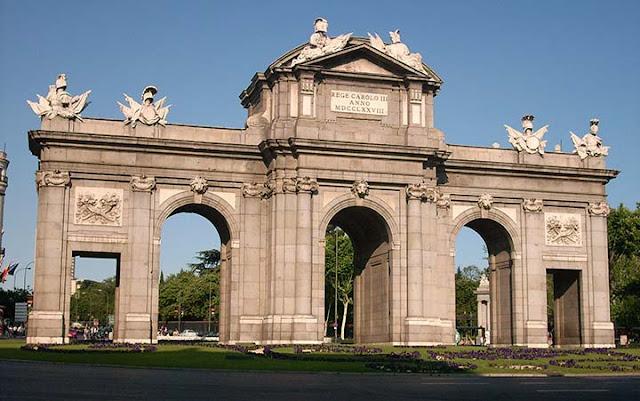 Puerta de Alcalá, Madri