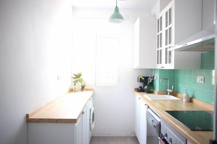 cocina con detalles en verde