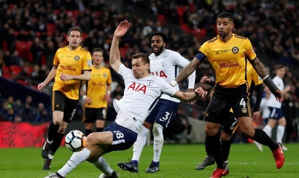 Tottenham vs Rochdale Online