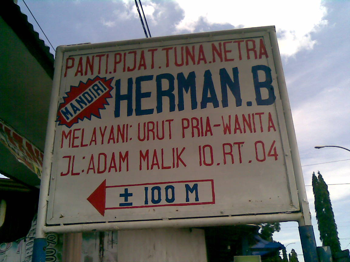 Ahli Urut Tunanetra Herman Bustomi