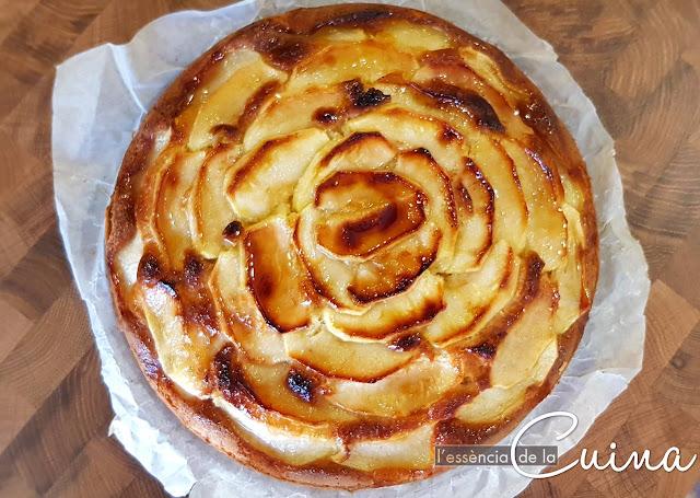 Pastís de Pomes, Postres casolans, Pastel de Manzana, lessenciadelacuina, blog de cuina de la Sònia