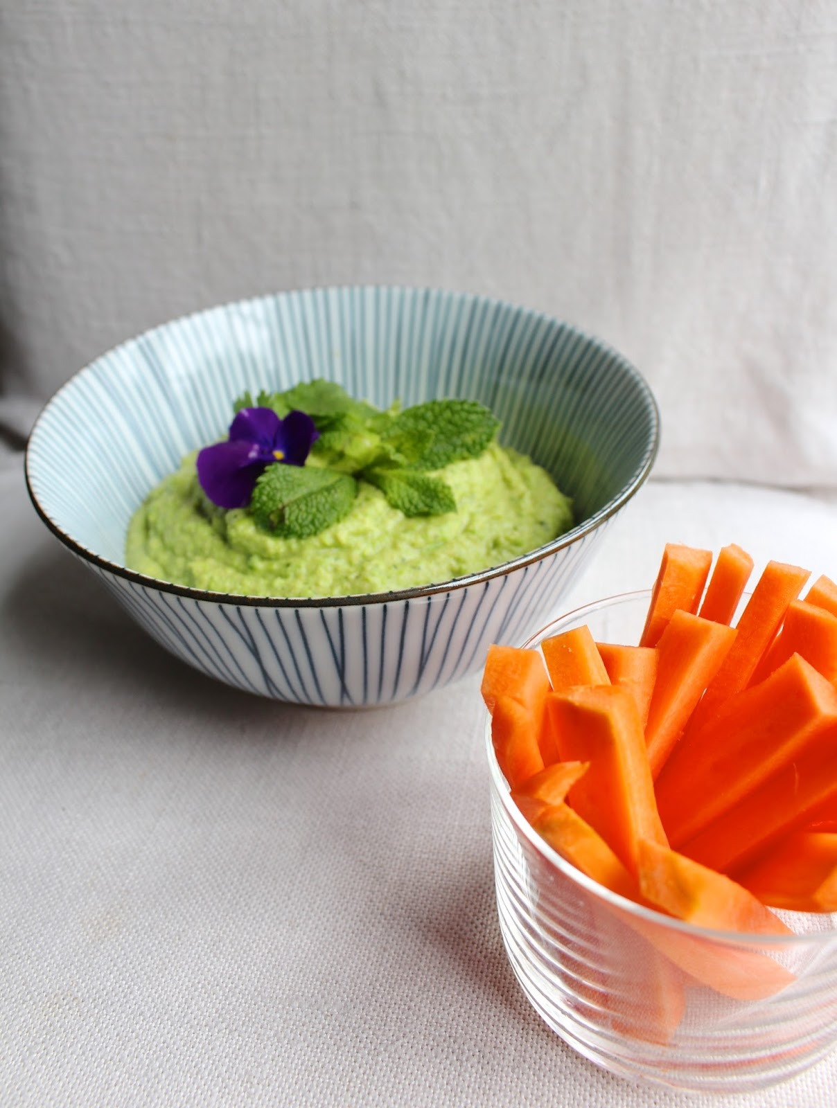 Easy green pea hummus recipe