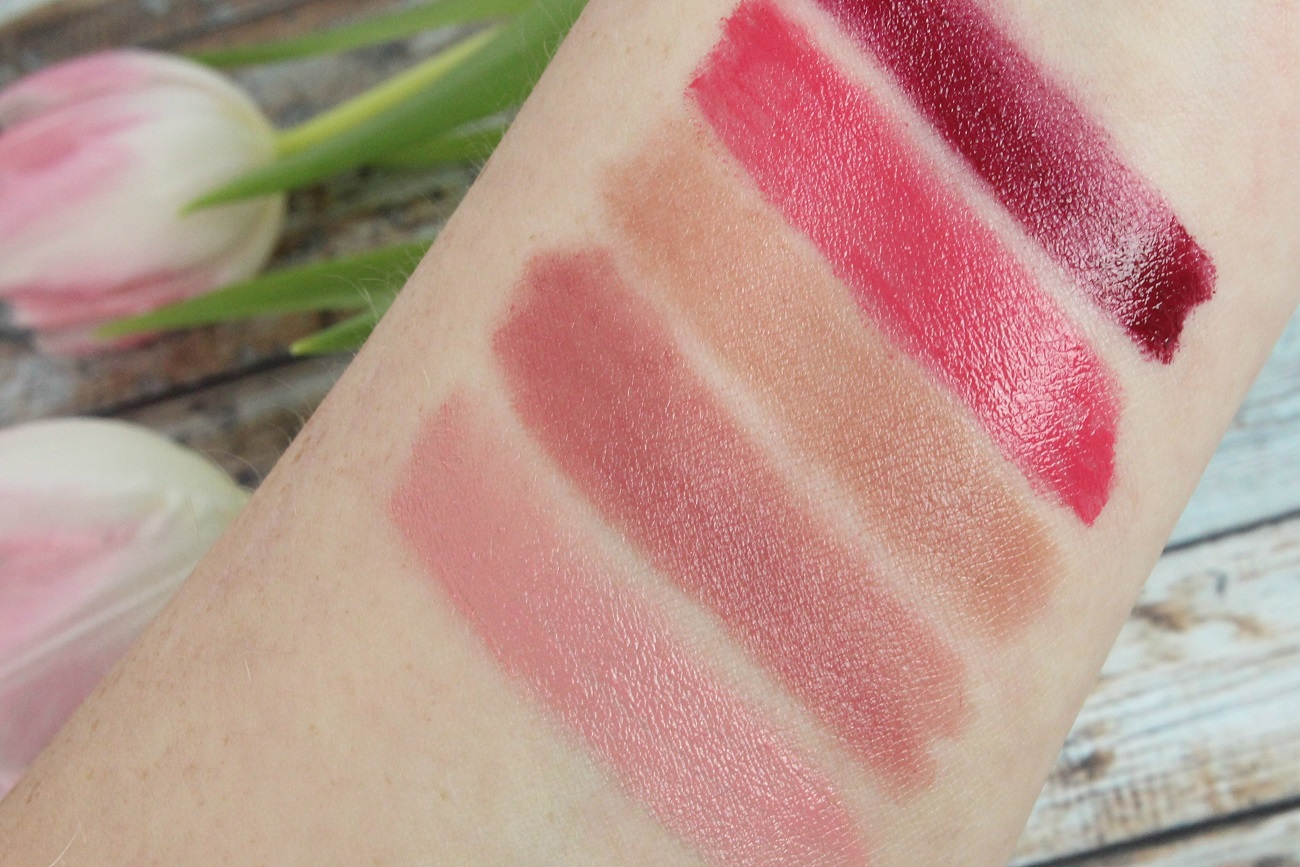 2016, beauty, cosmetics, drogerie, essence, favoriten, glanz, glossy finish, glossy stick, intensive farbe, lippenstift, lipstick, neues sortiment, neuheiten, review, swatches, trendfarben, trockene lippen, nuancen,
