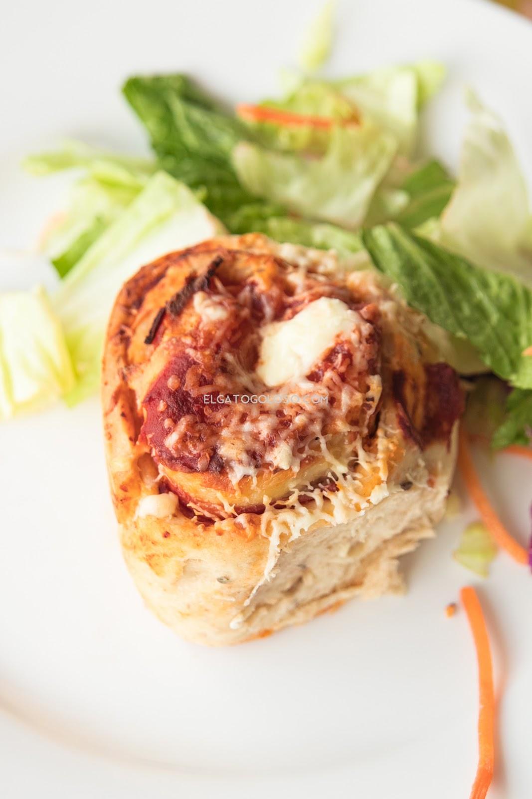 pizza rolls para enamorar, la receta más sencilla para hacerlos en casa. Receta vía www.elgatogoloso.com