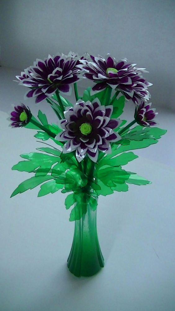14 Hermosos Diseños De Flores Realizados Con Botellas De