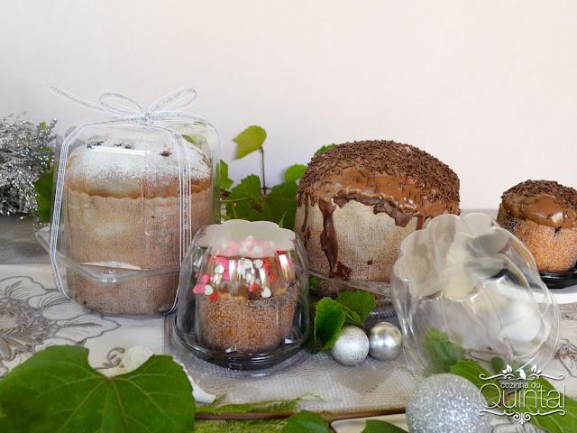 Um panetone coberto com açúcar de confeiteiro: simples, bonito e gostoso!!