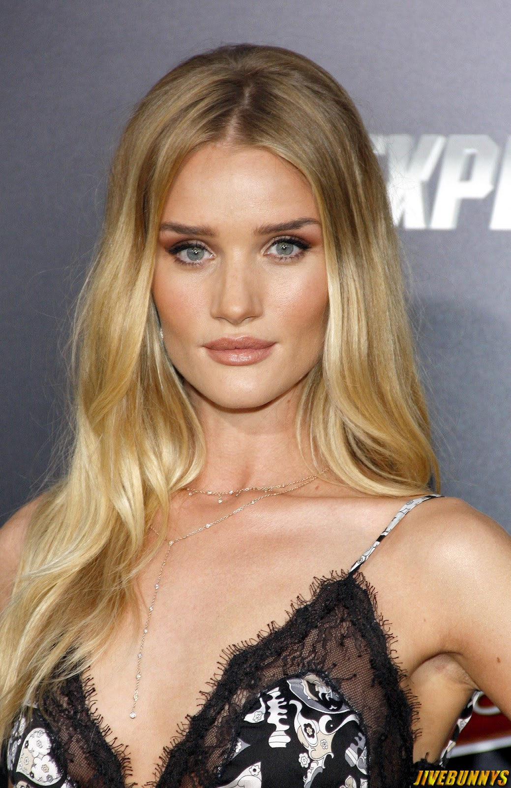Rosie Huntington Whiteley Photos And Picture Gallery 5