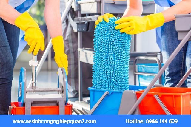 Nhà sạch Nhà mát là một trong những đơn vị cung cấp dịch vụ vệ sinh nhà cửa và văn phòng hàng đầu tại TP Hồ Chí Minh
